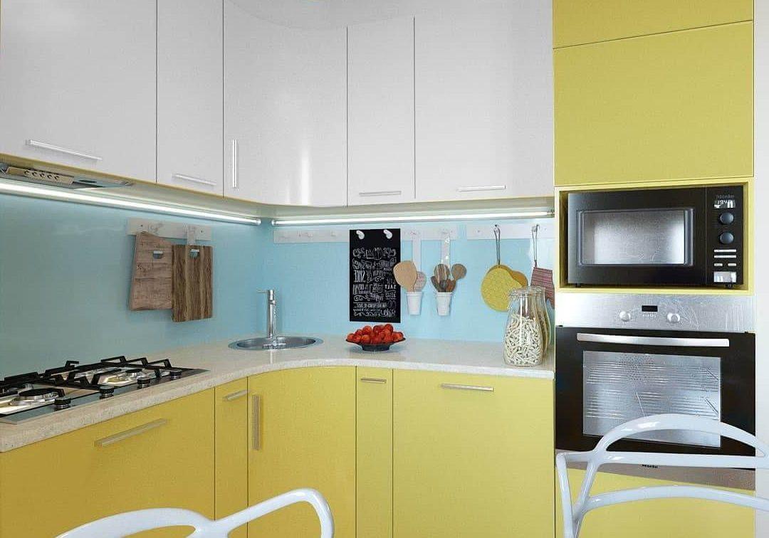 Маленькая бело-желтая кухня МДФ матовая