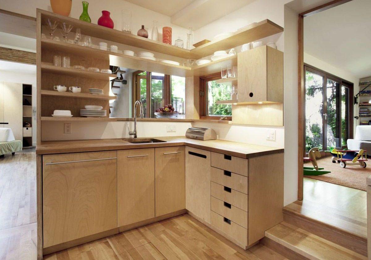 Небольшая угловая кухня из фанеры для дома