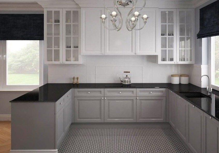п-образная бело-серая кухня под окно с барной стойкой, матовая
