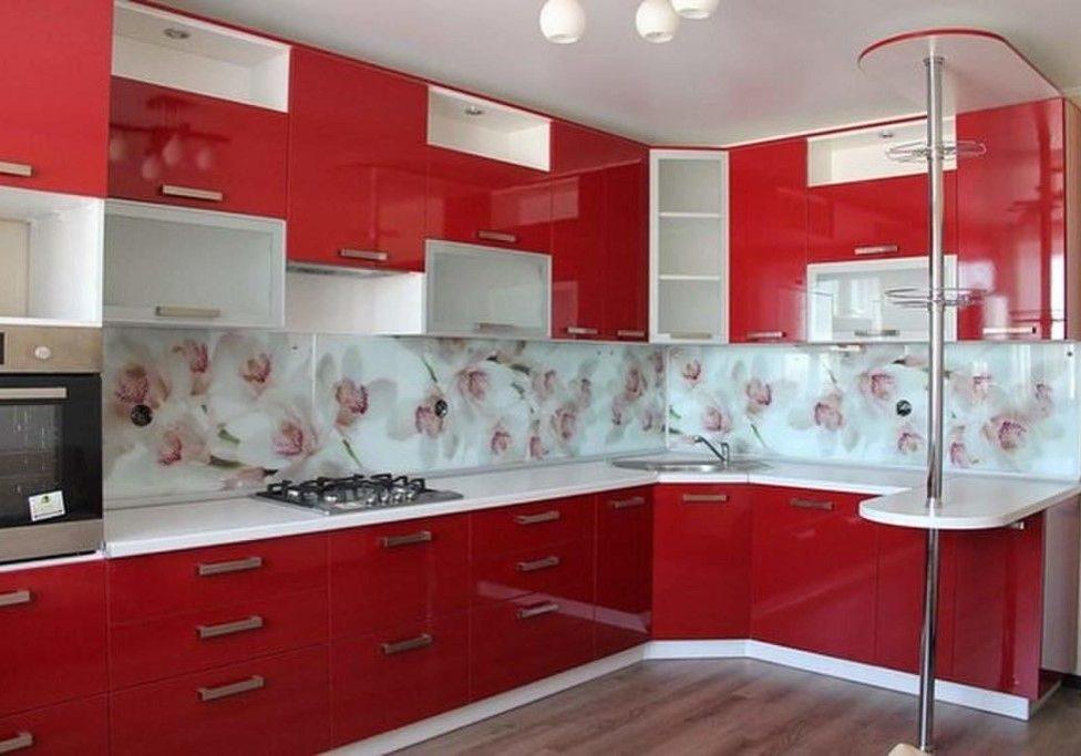 п-образная красно-белая кухня глянец с барной стойкой