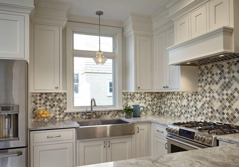 П-образная маленькая кухня белого цвета модерн