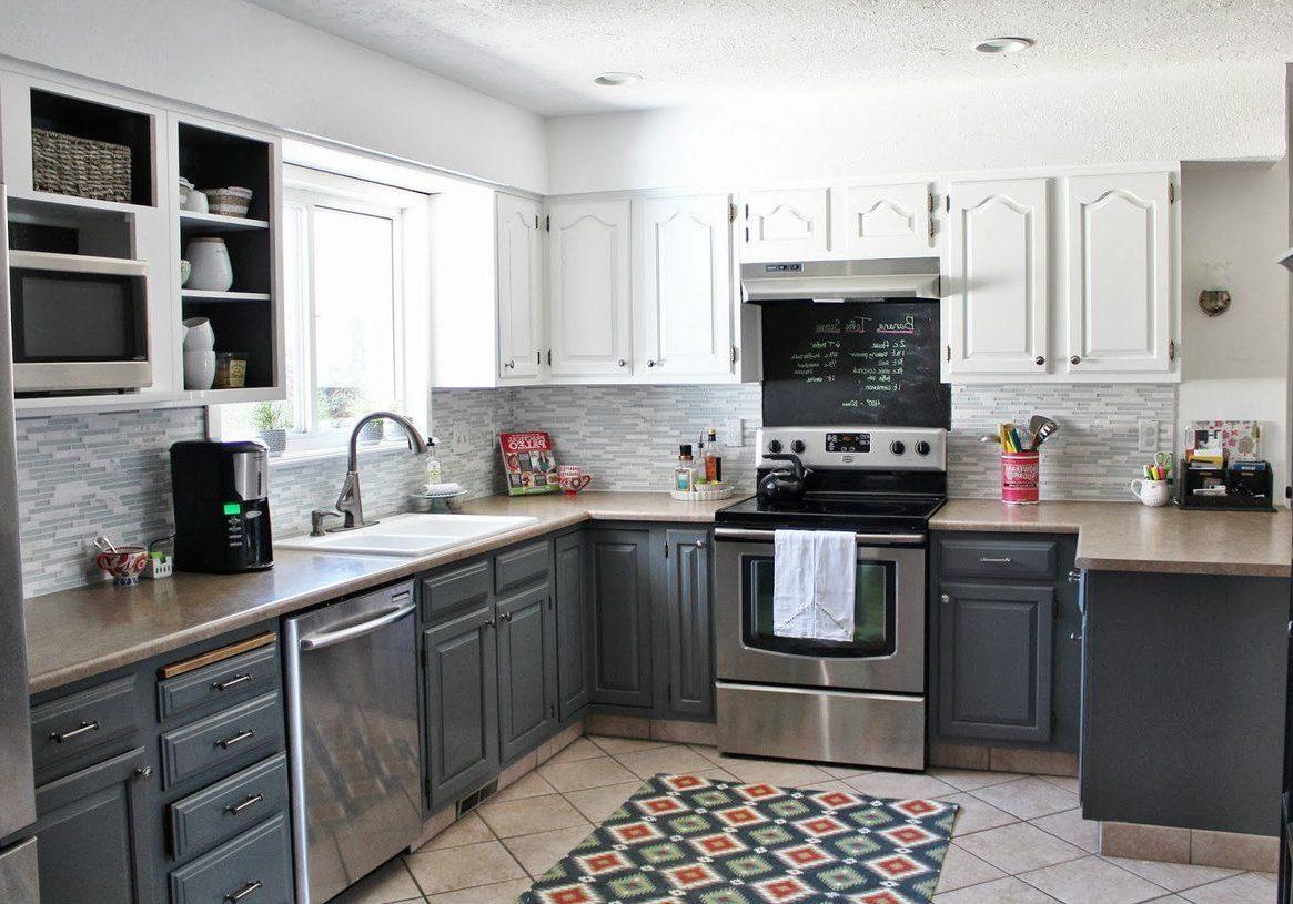 П-образная серо-белая кухня классика, модерн, матовая