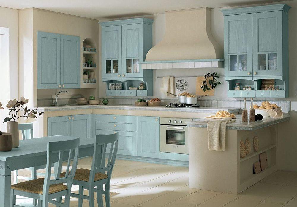 Постельные тона для кухни с фасадами массив
