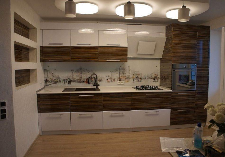 Прямая белая кухня глянец с деревом, МДФ пленка