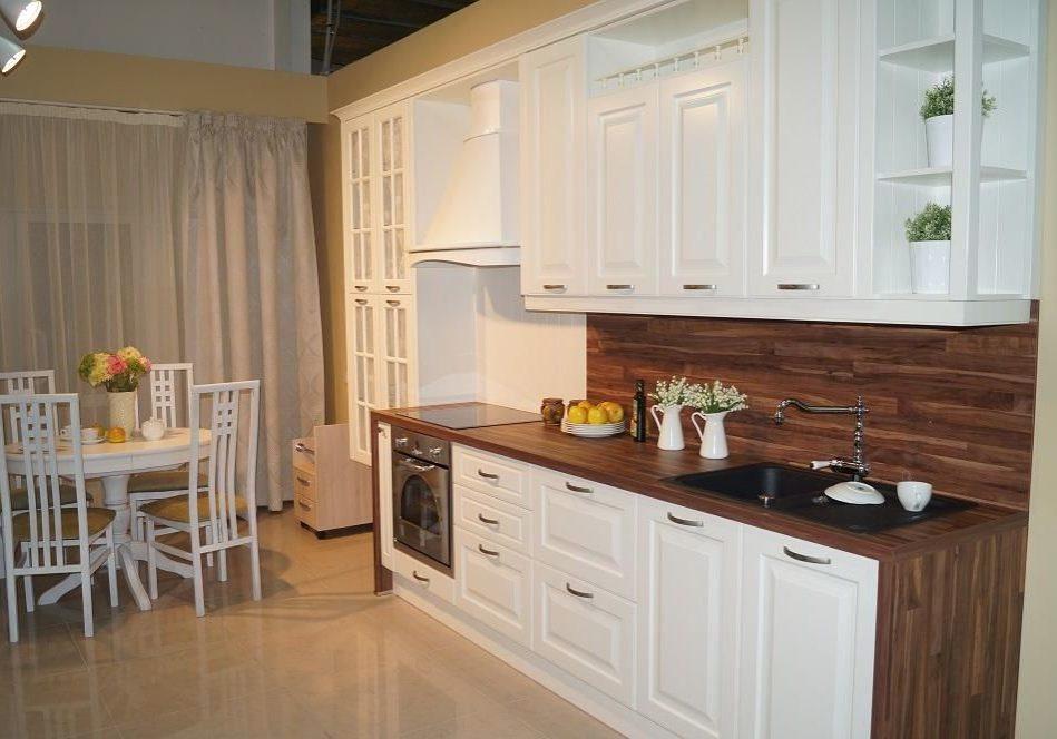 Прямая белая кухня с деревом, МДФ модерн, матовый