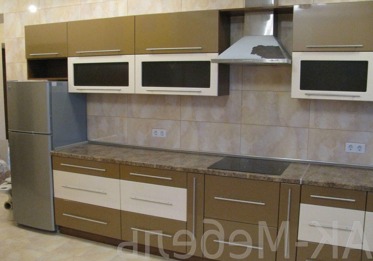 Прямая бело-коричневая кухня МДФ эмаль матовая