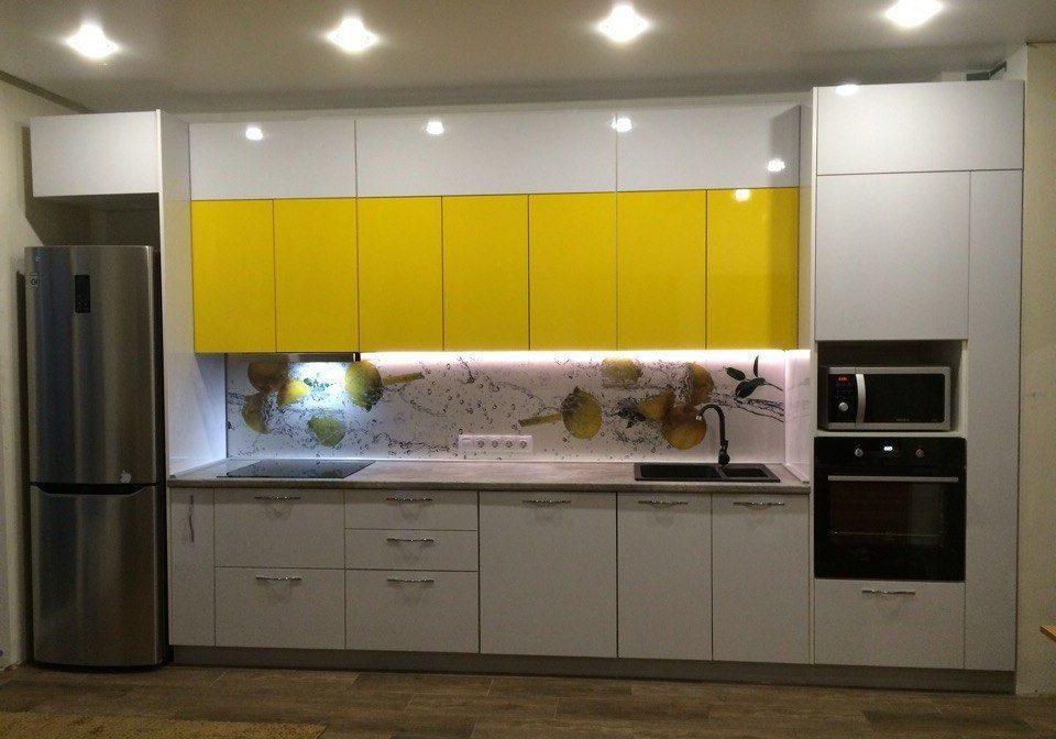 Прямая бело-желтая кухня МДФ