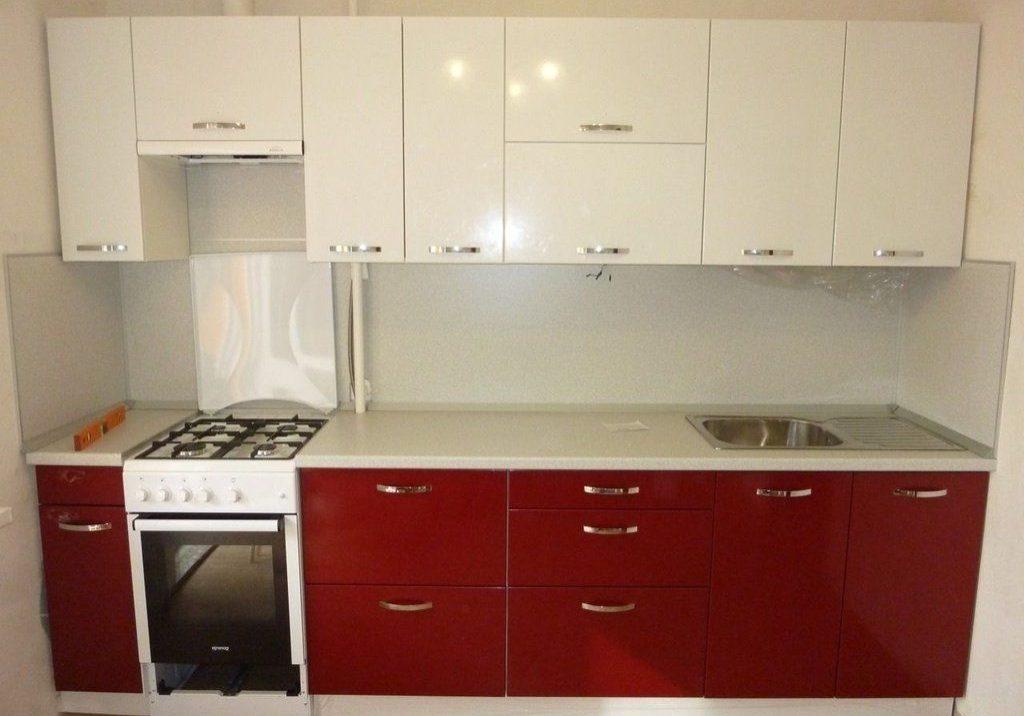 Прямая красно-белая кухня МДФ пластик и МДФ пленка