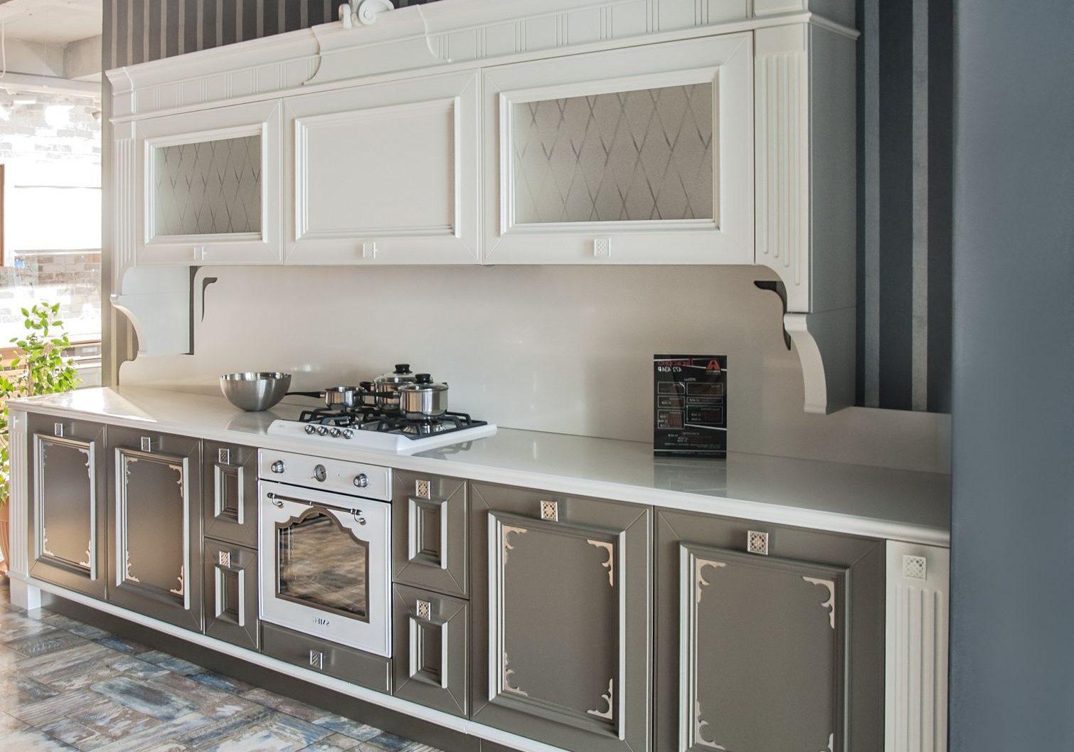 Прямая кухня бело-серая, хайтек, модерн
