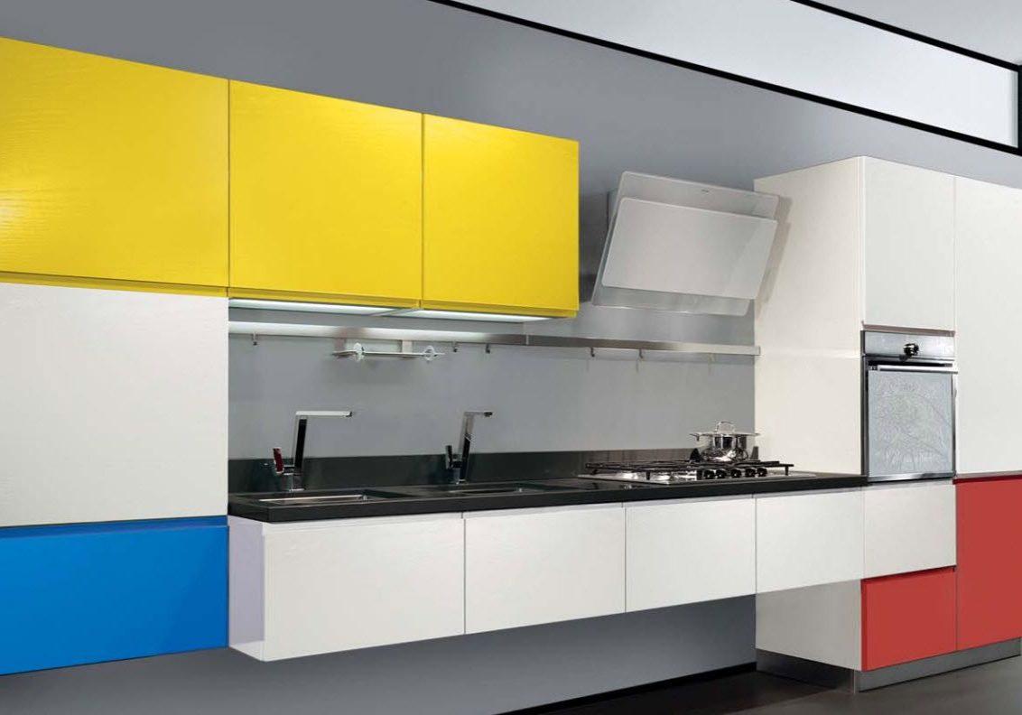 Прямая кухня хай-тек, белая с синим, с желтым и красным, матовая прямая