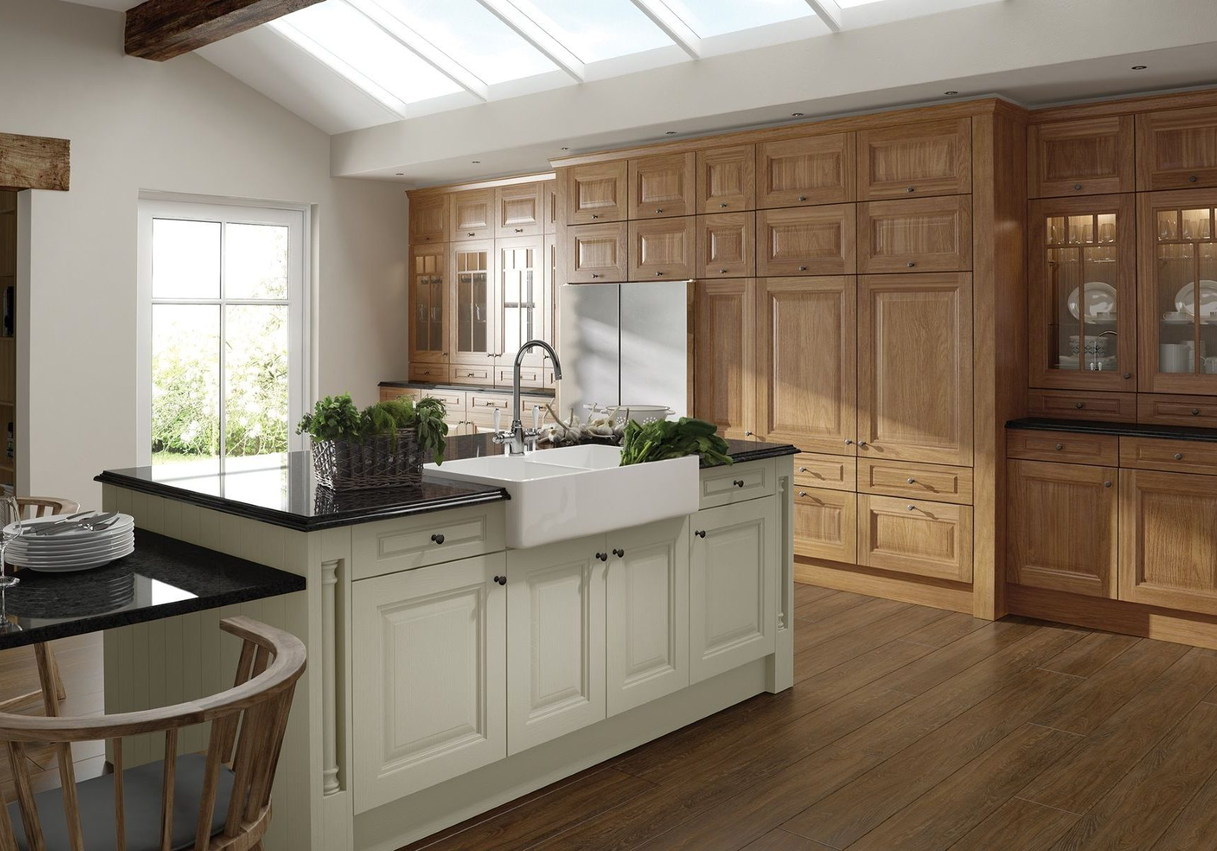 Прямая кухня из дерева с белым островом, модерн, классика