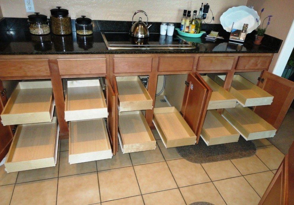 Прямая кухня из фанеры с ящиками
