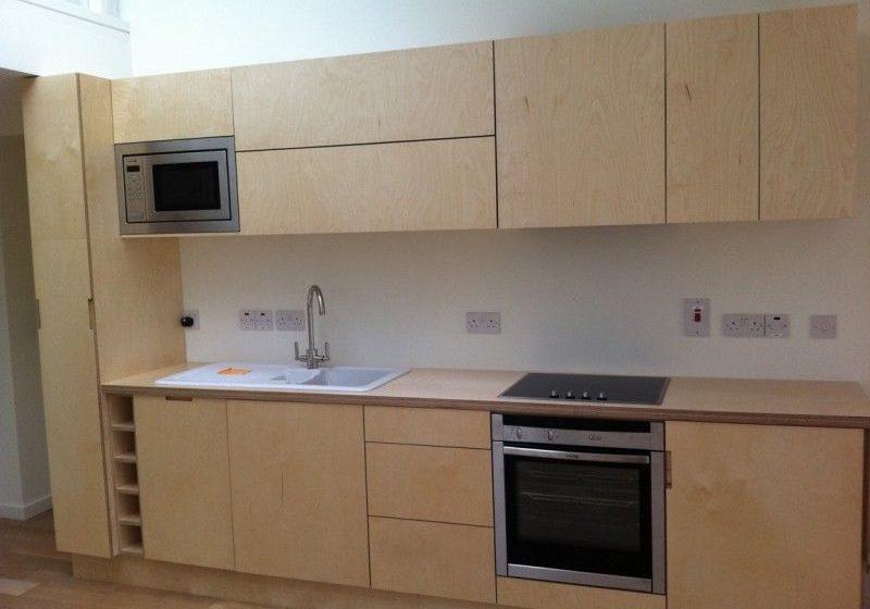 Прямая кухня из фанеры для квартиры