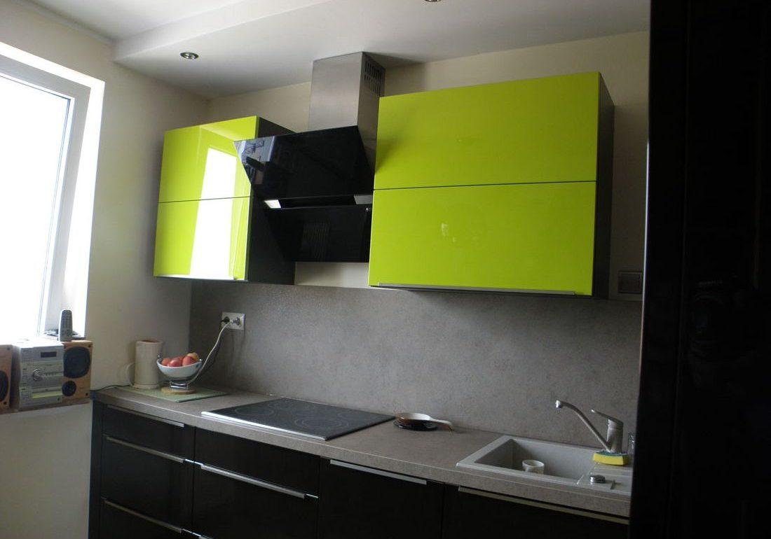 Прямая кухня лайм крашенные фасады