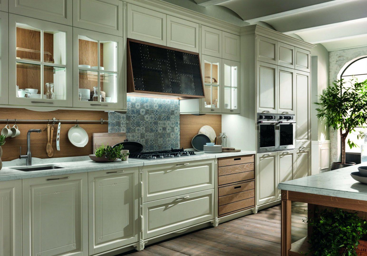 Прямая кухня МДФ эмалья светло-зеленого цвета, классика с деревом