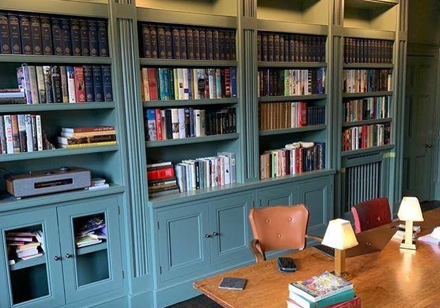 Шкаф для книг крашенный МДФ эмаль на заказ
