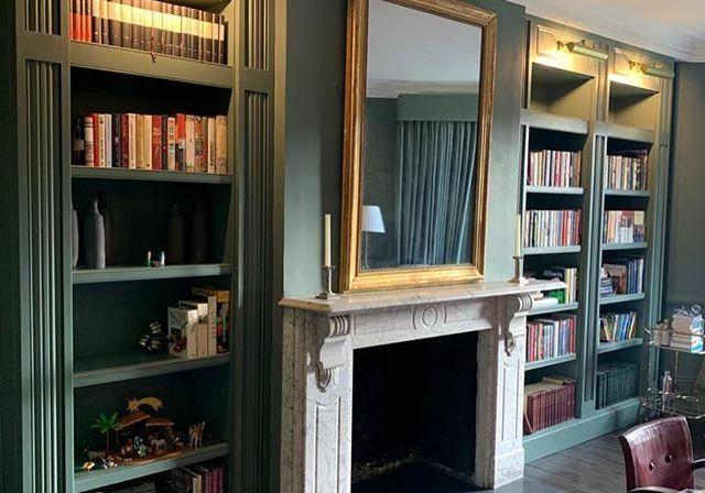 Шкаф для книг крашенный МДФ эмаль под заказ