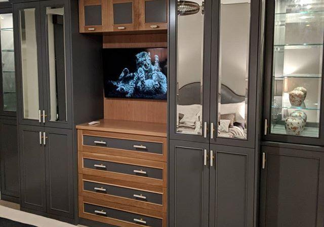 Шкаф под ТВ крашенный МДФ эмаль на заказ