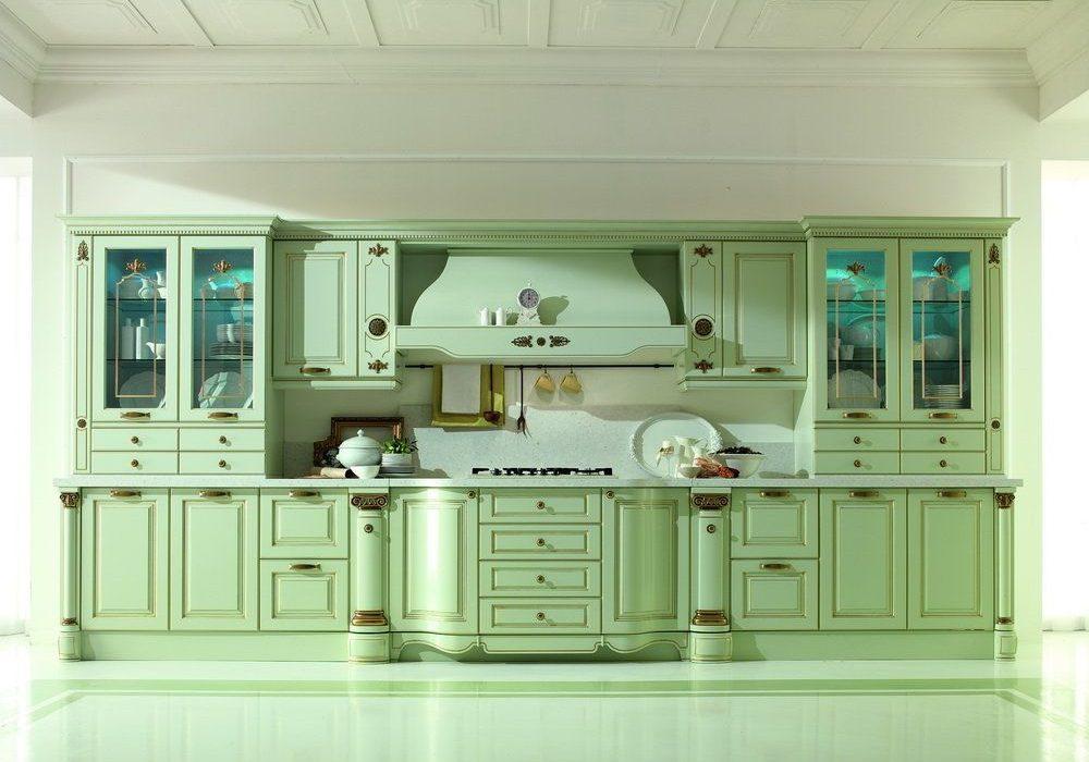 Светло-зеленая прямая кухня классического стиля, отлично подходит к провансу