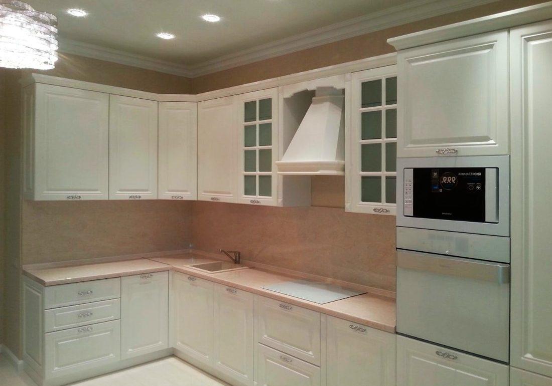 Угловая белая кухня МДФ эмаль крашенный матовый, модерн