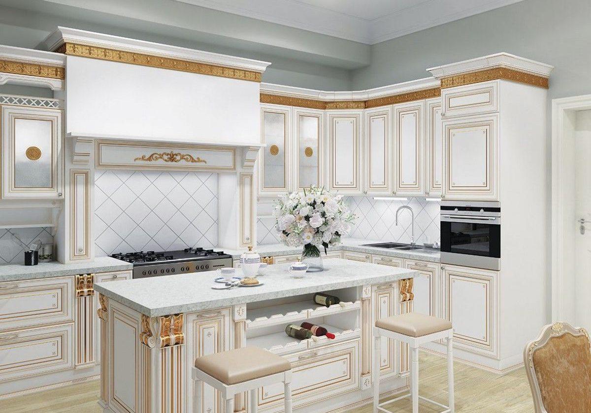 Угловая белая кухня с золотой паталью, классика, барокко с островом