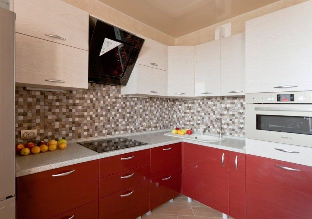 Угловая красно-белая кухня МДФ пленка