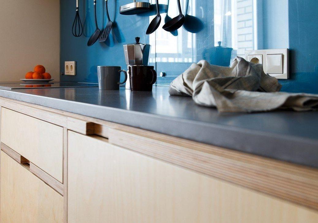 Угловая кухня из фанеры в квартиру, короба