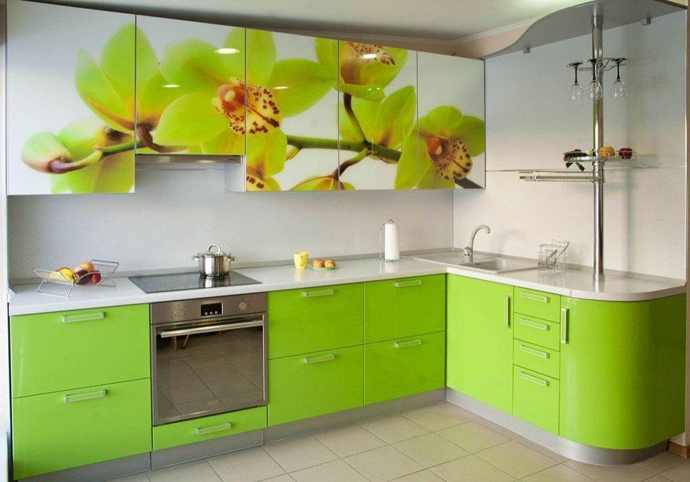 Угловая кухня МДФ пленка с рисунком и барной стойкой