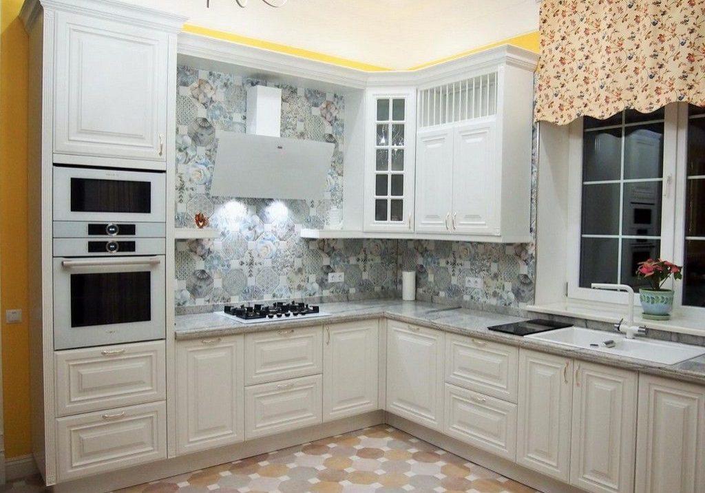 Угловая кухня под окно, белый МДФ эмаль матовый, модерн