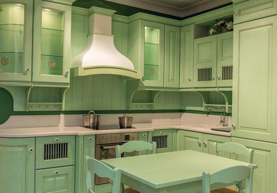 Угловая кухня зеленого цвета прованс, подойдет под стиль кантри и модерн