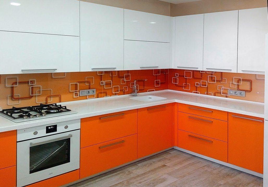 Угловая МДФ пленка кухня бело-оранжевая