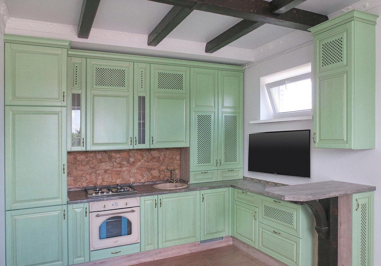 Угловая светло зеленая кухня кухня в стиле модерн, можно применять в классике