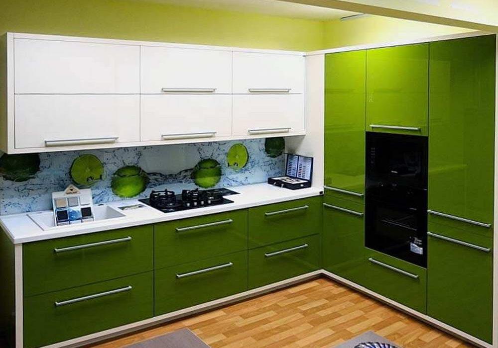 Угловая зеленая кухня глянец, МДФ крашенный