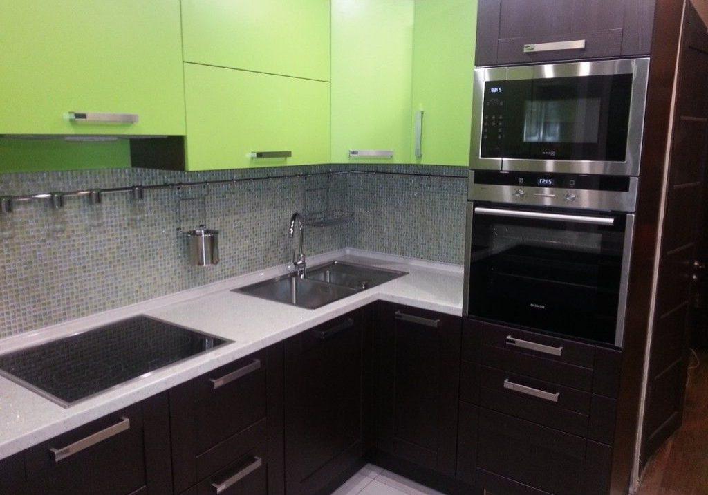 Угловая зеленая кухня МДФ