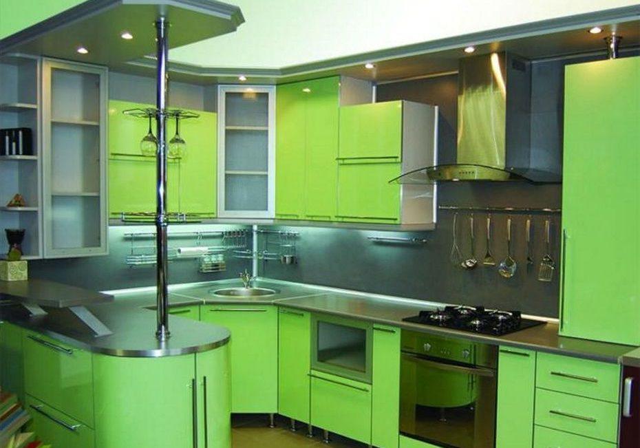 Угловая зеленая кухня МДФ пленка с барной стойкой и стеклом