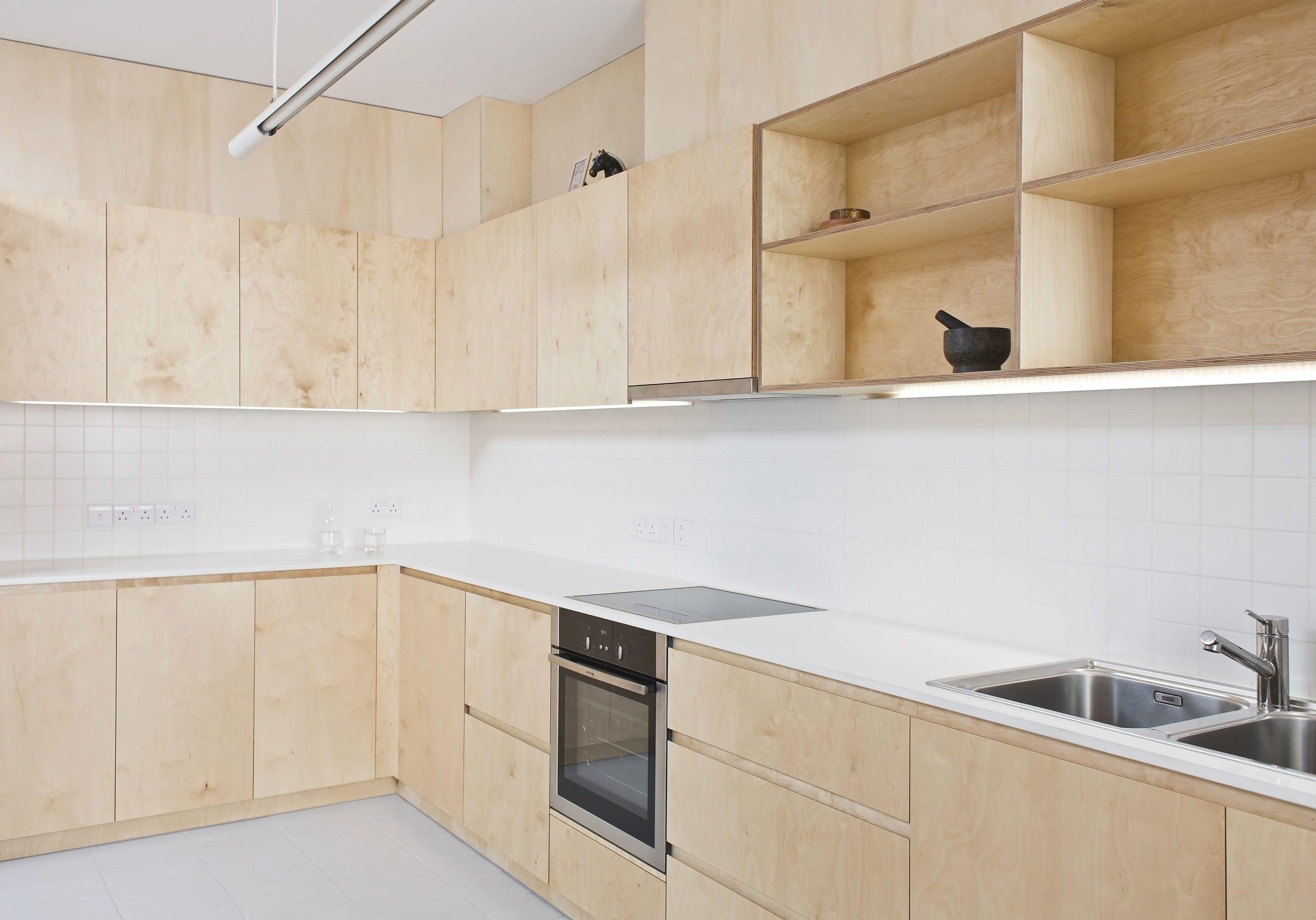 Угловя кухня из фанеры