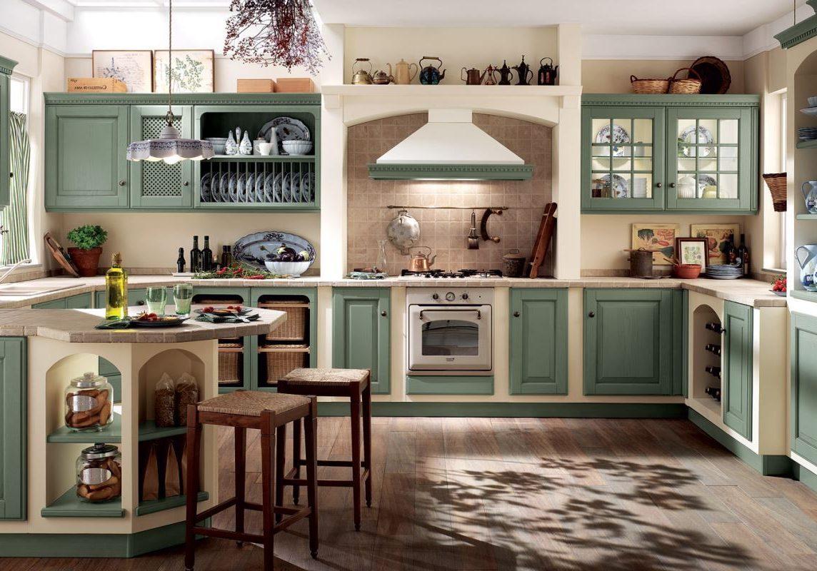 Встроенная кухня зеленого цвета с массива