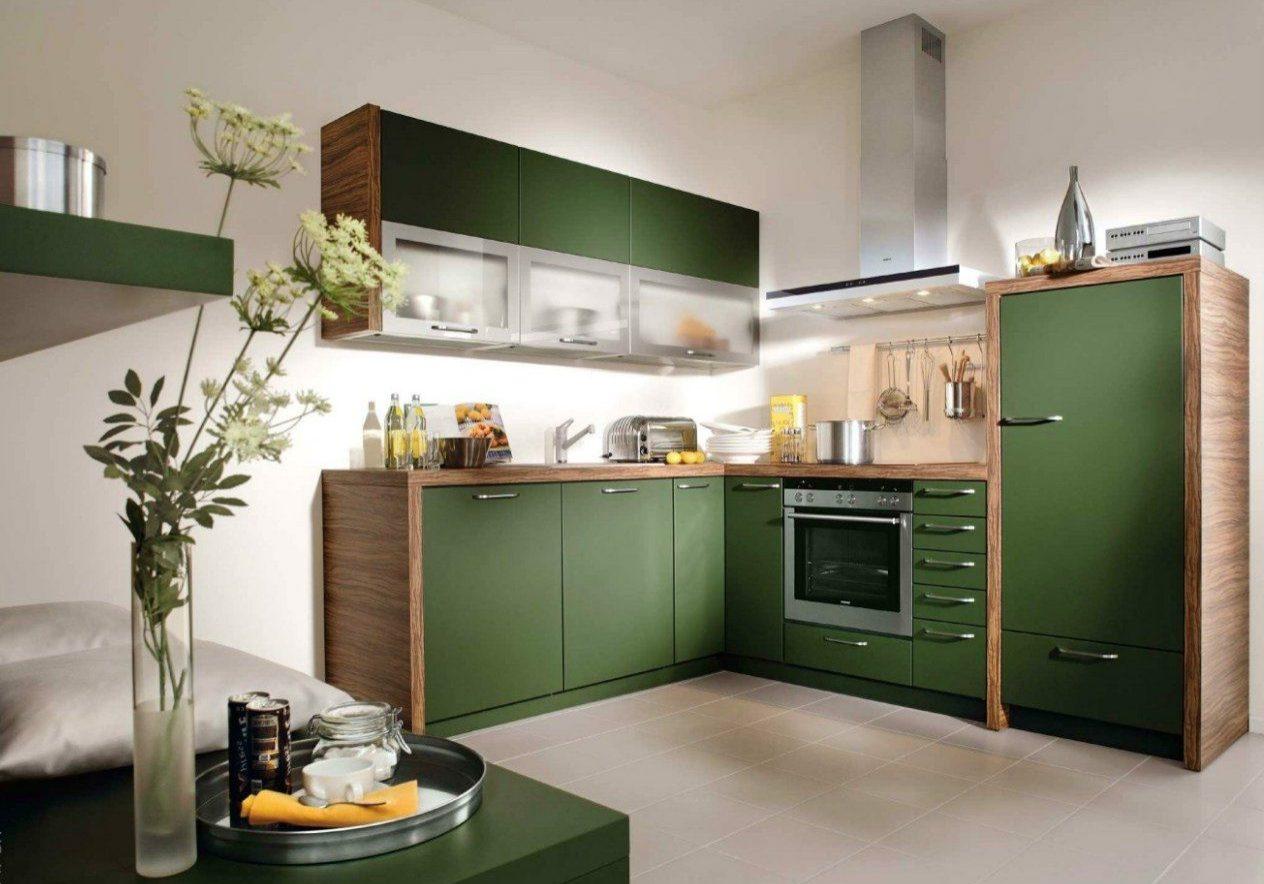 Зеленая кухня с деревянной столешницей, МДФ эмаль