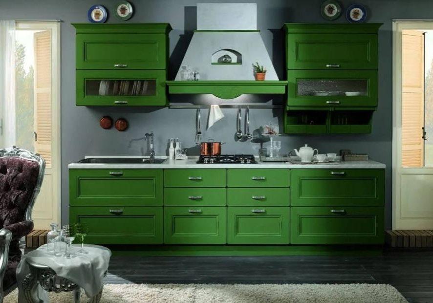 Зеленая прямая кухня в стиле модерн,