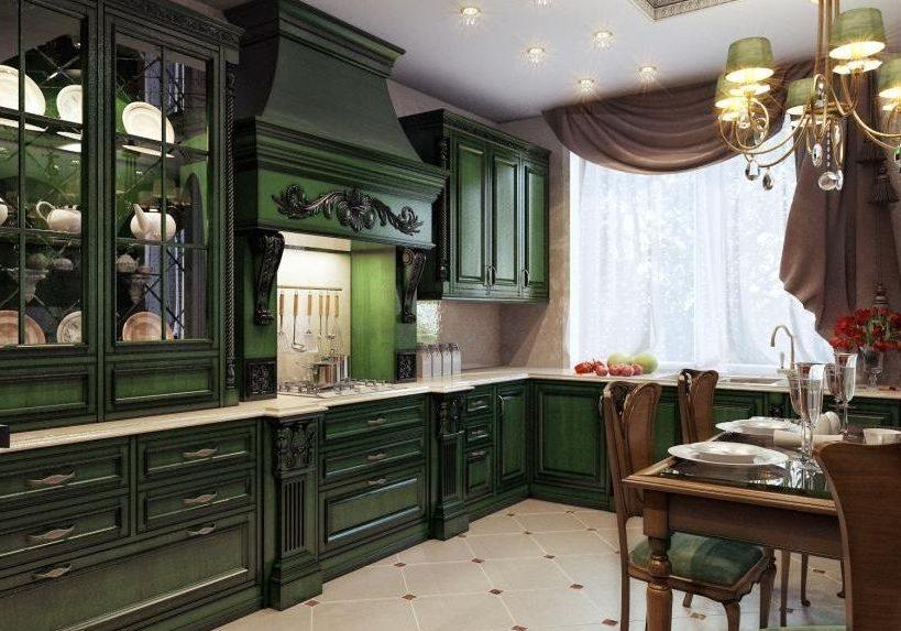 Зеленая угловая кухня из дерева классического стиля с порталом